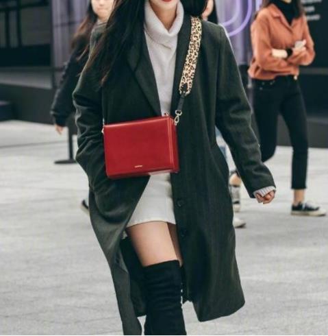 街拍时尚穿搭气质甜美:2019提升自己的时尚感(图)