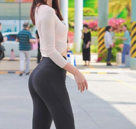 柔软时尚贴身舒适打底裤:简单又休闲时尚的女人韵味