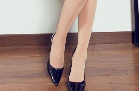 高跟鞋尖头经典款式:百看不厌女人味十足(图)