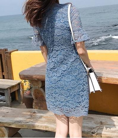 精致优雅的蕾丝印花连衣裙:女人气质出众(图)