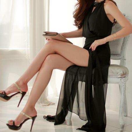 时尚包臀裙穿出小女人的甜美姿态,曼妙妖艳动人