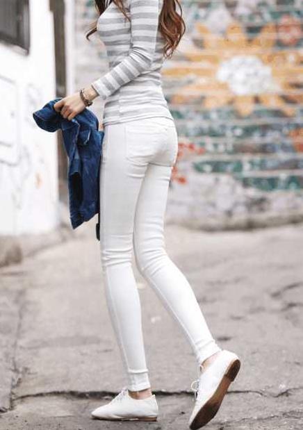 90后妹子穿搭热裤:凸显穿衣有品位(图)