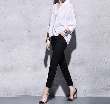 白衬衫简约而不简单:白衬衫的多种穿法(图)