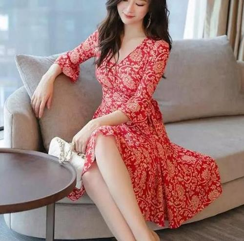 连衣裙时髦优雅又迷人,女人魅力无限(图)