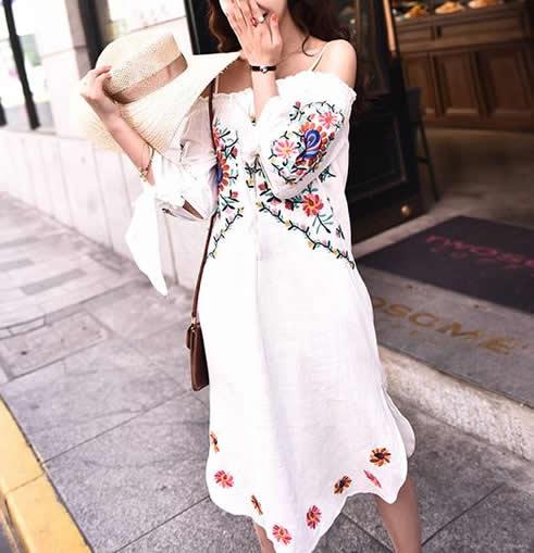 一款优雅又浪漫的裙装:女人成熟有魅力