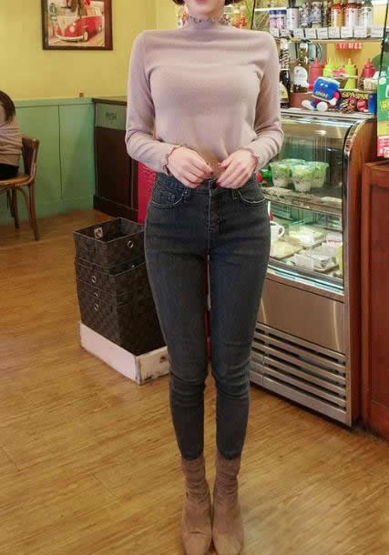 春季简单着装牛仔裤:年轻靓丽(图)