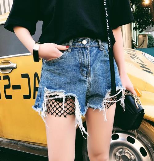 夏季穿这5款气质牛仔热裤尽展女人魅力(图)
