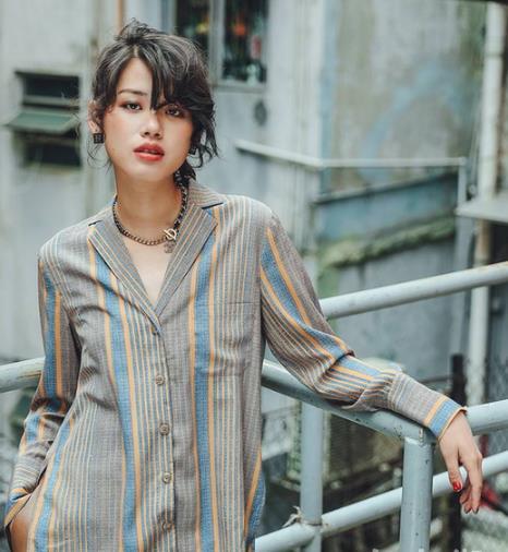 春季第一首选百搭时髦又性感的条纹衬衫(图)
