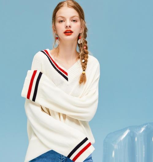 春天需要这件毛衣 5款毛衣减龄显瘦两不误