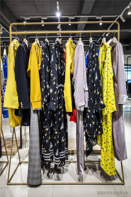 冬季女装新款羽绒服 灵音·LYDER 新款女装羽绒服零售批发