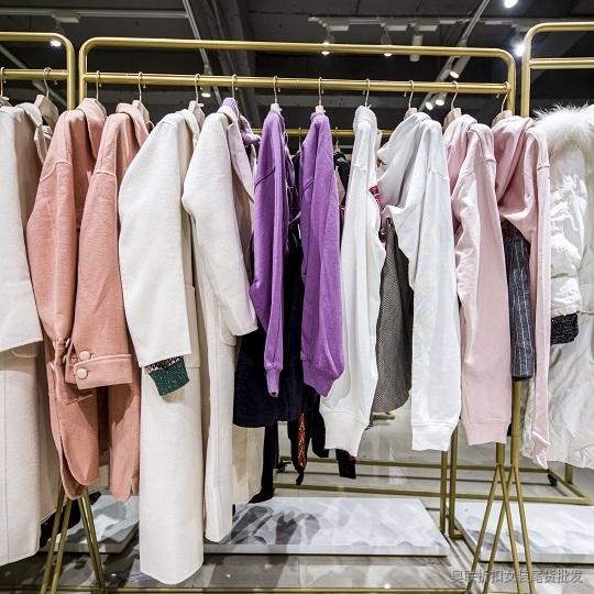时尚穿衣搭配 时尚品牌Z11一手货源低价批发