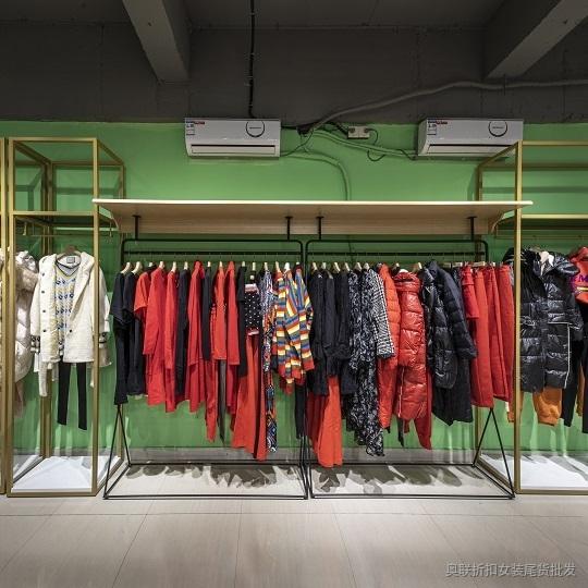 全球著名服装品牌 布卡时尚女装开服装店的必备女装品牌