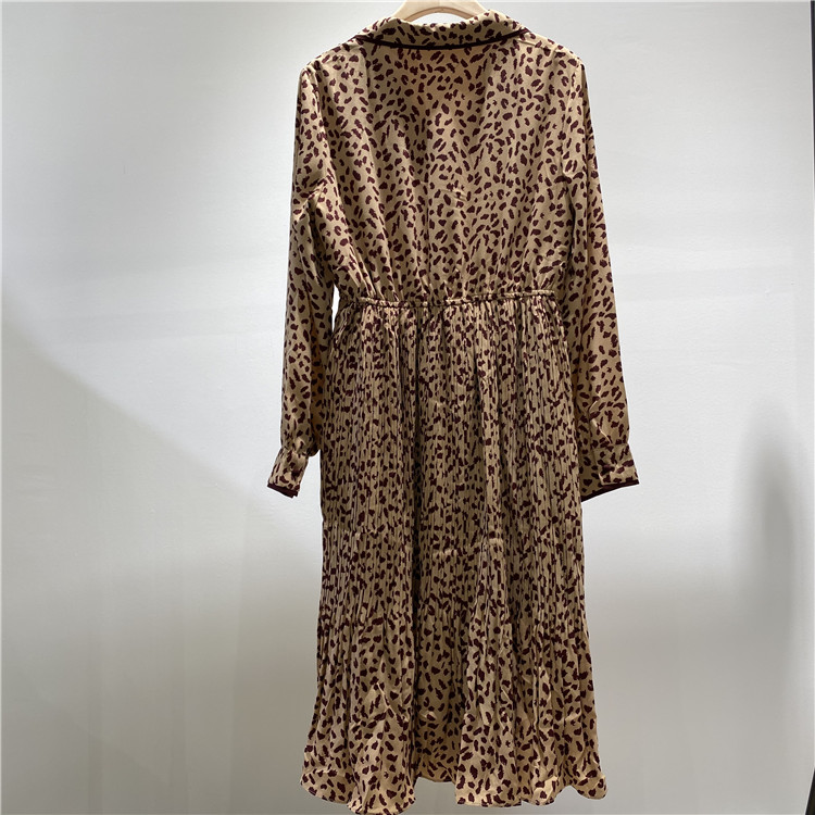 开服装店怎么找货源 奥联优选女装品牌简约风情小豹纹连衣裙